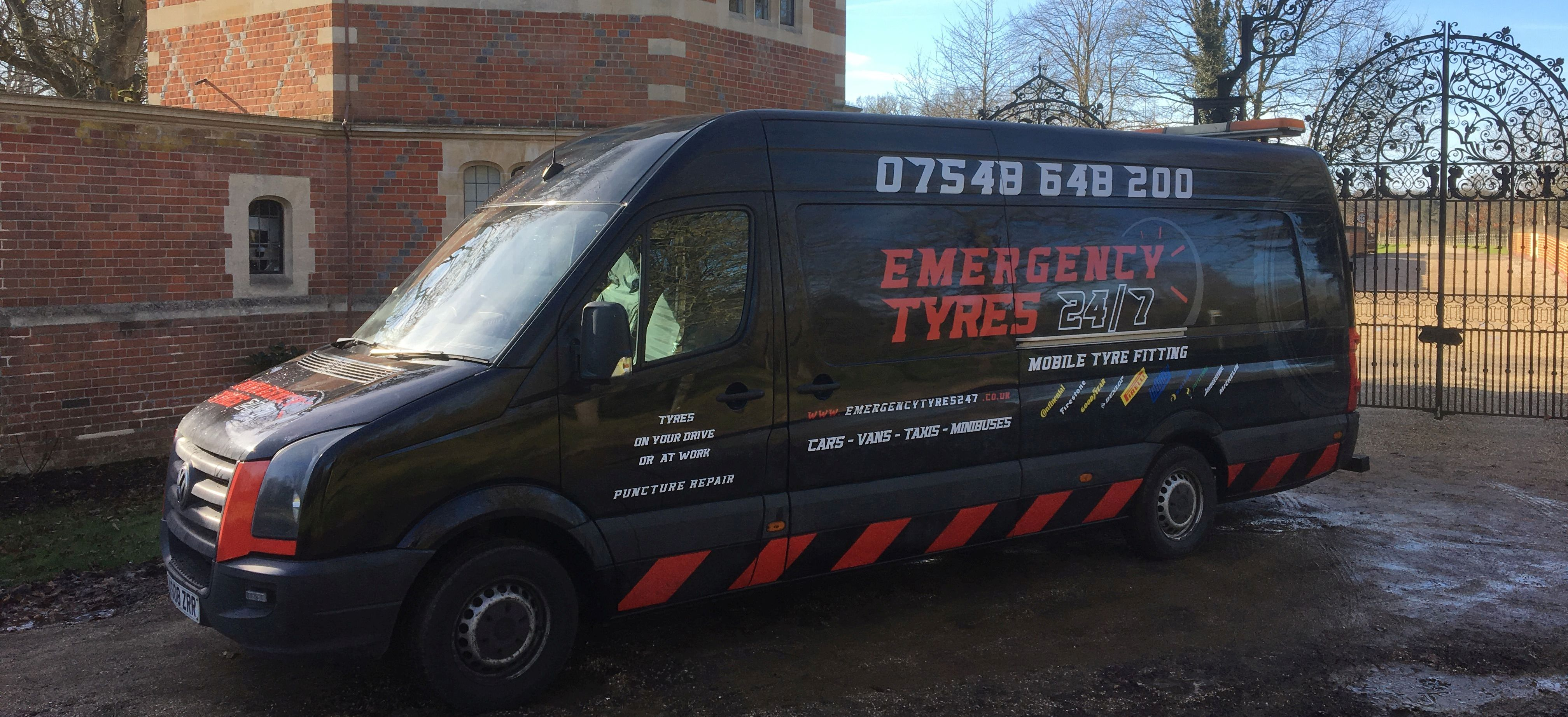 Welcome to Emergency Tyres 24/7 - 24 Hour Emergency Mobile Tyre & Mobile Puncture Repair based in North London